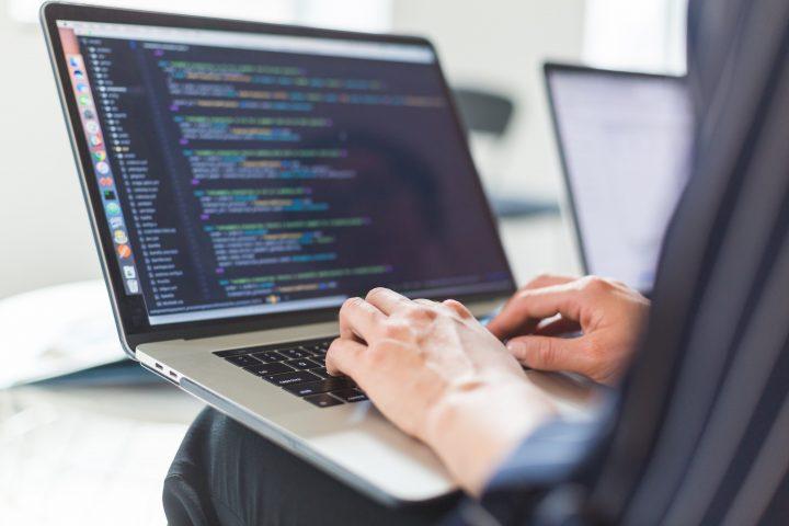 How Custom App Development Can Improve Productivity and Efficiency?